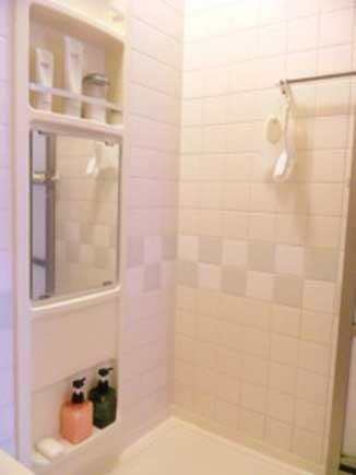 バスルームをスッキリ見せる工夫