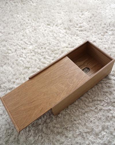 ニトリの木製ティッシュケース