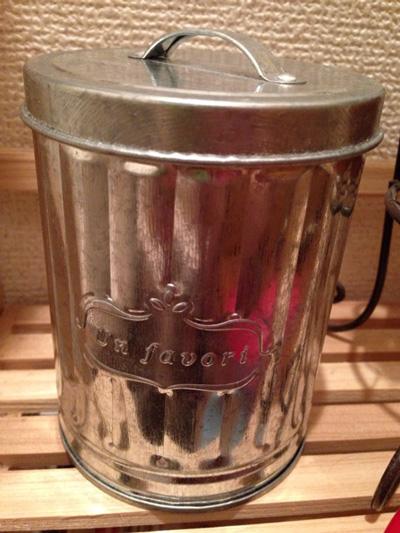 アンティークなアルミ缶