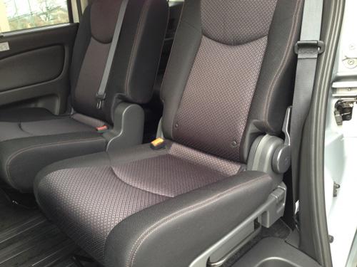 車内のティッシュ収納