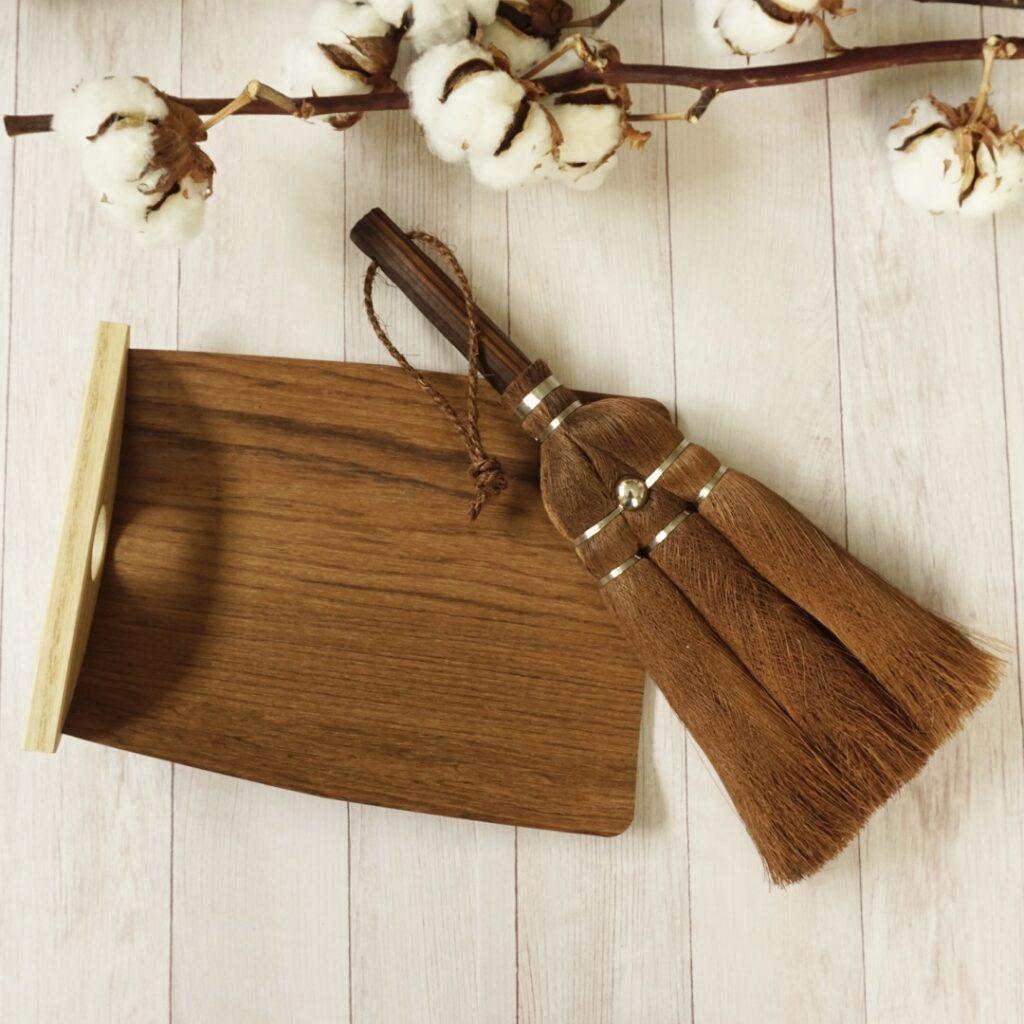 身軽な掃除道具/しゅろのやさしい小ぼうき、天然木ちりとり